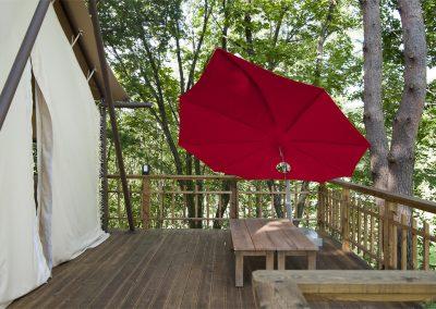 Icarus umbrella Blue Mountain Hotel2 HR