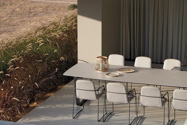chaise-loop-blanc-lotus-smokey-111 (Copy)